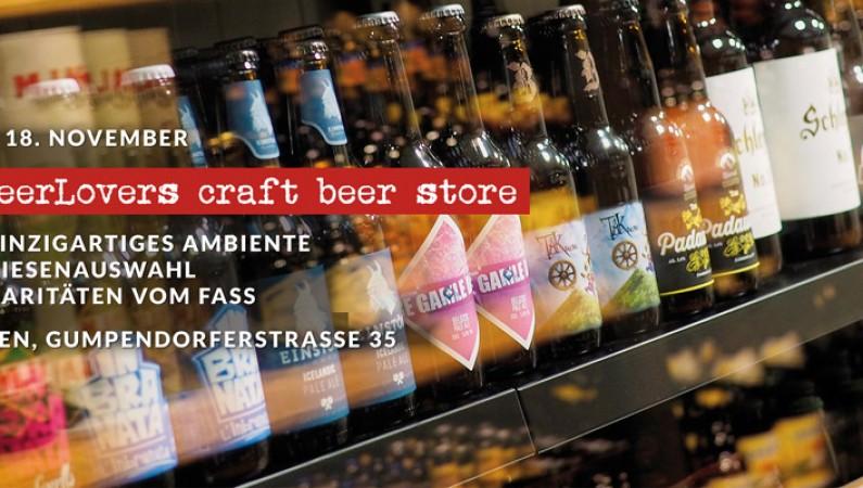 Abb. einiger Bierflaschen im Regal